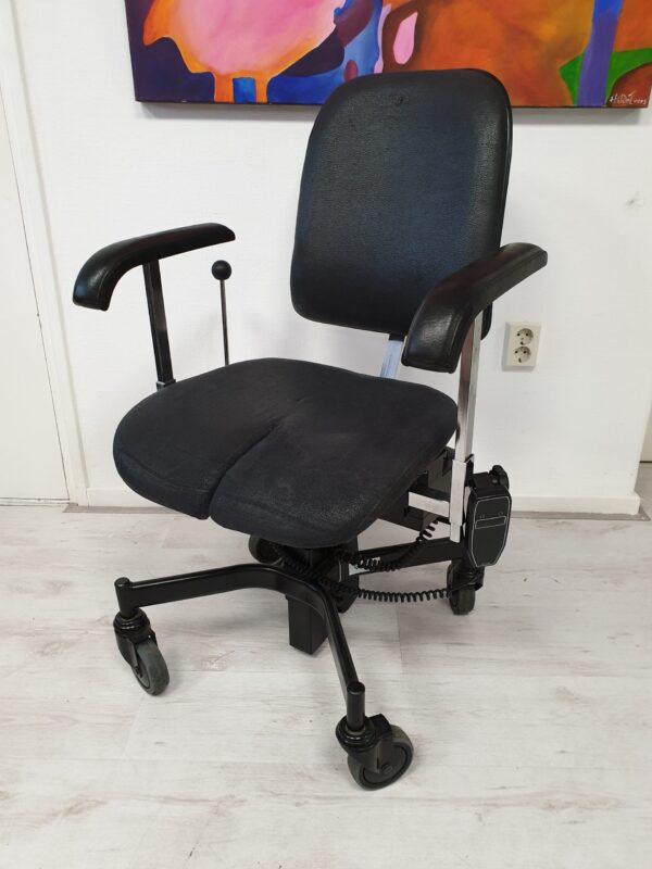 Mondo trippelstoel zwart leder Arthrodesestoel