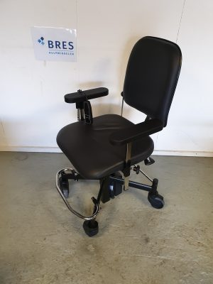Mondo zwart leder electrisch trippelstoel